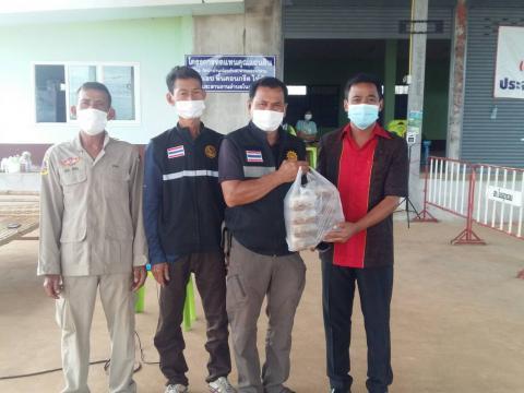 ส่งอาหารและตรวจเยี่ยมผู้กักตัวที่เดินทางมาจากพื้นที่เสี่ยง ณ.สถา