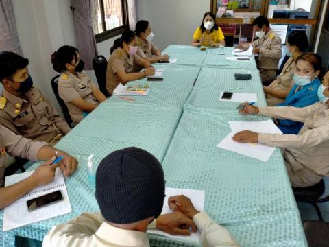 อบต.โนนสุวรรณ ประชุมเพื่อหาแนวทางช่วยเหลือผู้ที่กักตัวและเฝ้าระว